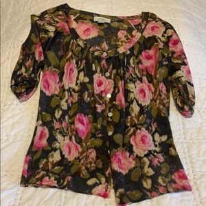 Sweater with hued pink roses. Lift  Size S